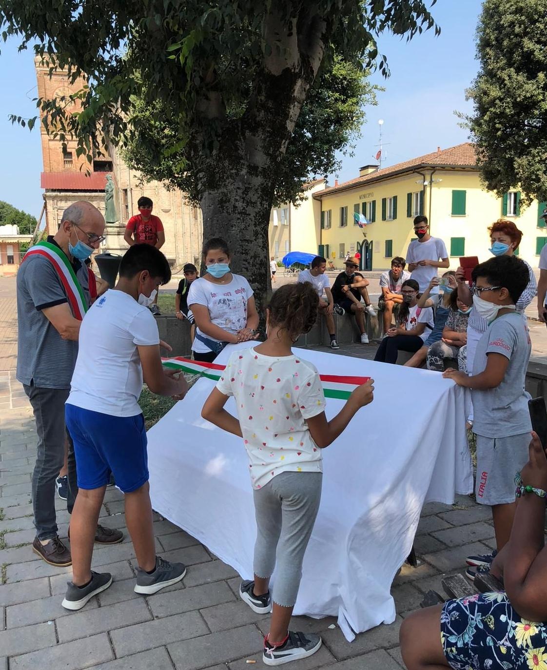 """San Possidonio, il Grest e la """"panchina della gentilezza"""""""