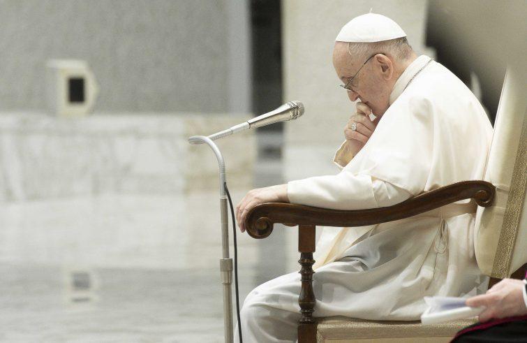 """Papa Francesco: """"molto dolore"""" per l'omicidio di padre Olivier Maire"""