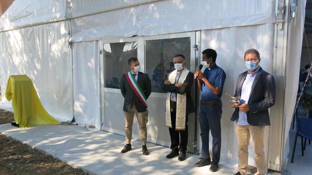 A Fossoli inaugurata la nuova tensostruttura alla presenza del vescovo Erio Castellucci