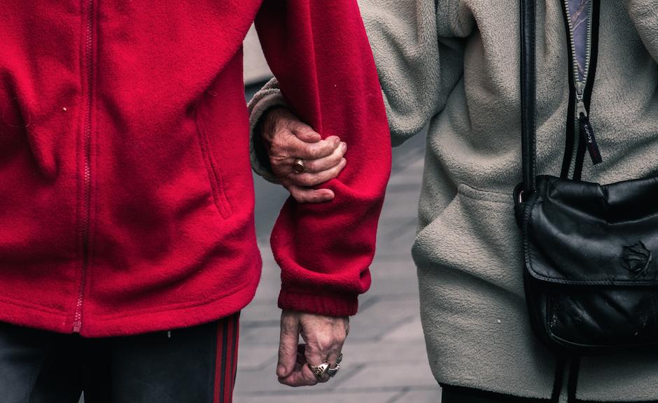 Fine vita: nella fraternità ci si prende cura gli uni degli altri