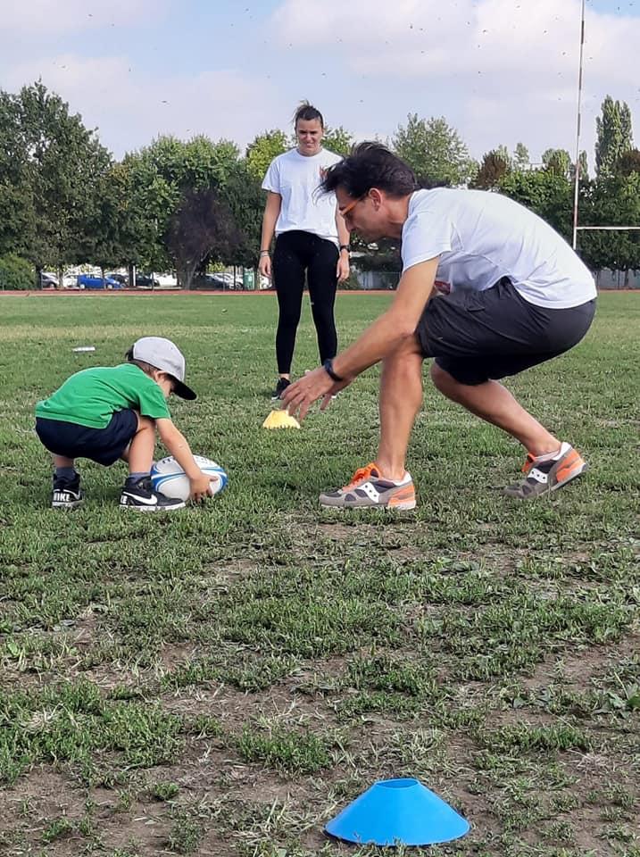 Rugby Carpi, piccoli in campo con mamma e papà
